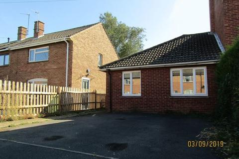 1 bedroom semi-detached bungalow to rent - Longlands Road, Cheltenham