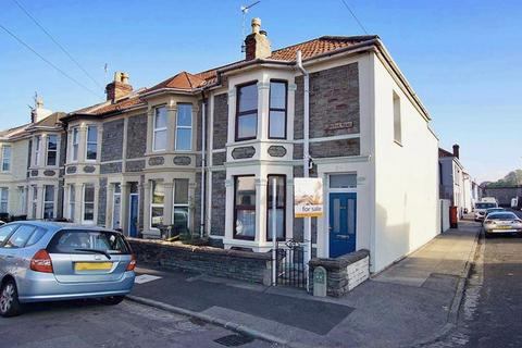 3 bedroom end of terrace house for sale - Carlyle Road, Greenbank, Bristol, BS5 6HG