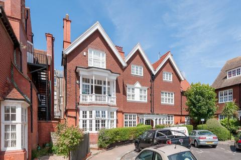 3 bedroom flat for sale - Grand Avenue, Hove