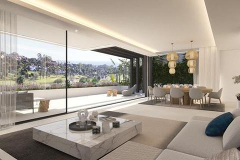 4 bedroom villa  - El Campanario, Estepona, Malaga