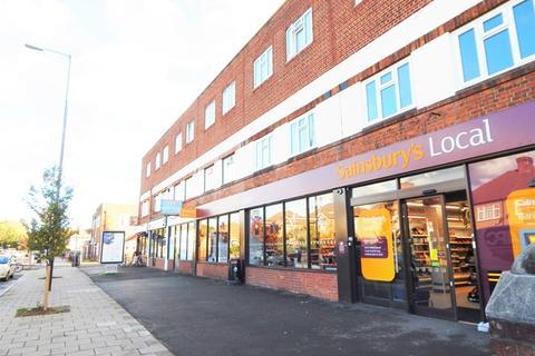 2 bedroom flat to rent - Martin Way, Morden, Surrey, SM4
