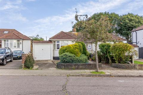 2 bedroom semi-detached bungalow for sale - Prescott Avenue, Petts Wood, Kent, BR5 1AE