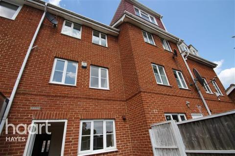 3 bedroom detached house to rent - Rose park close, UB4