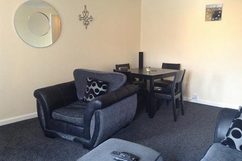 2 bedroom flat to rent - Vulcan Street, Springburn, Glasgow, G21 4BP