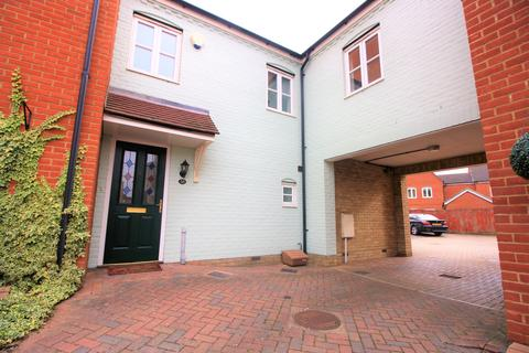 3 bedroom semi-detached house to rent - Springham Drive, Myland, Colchester, CO4