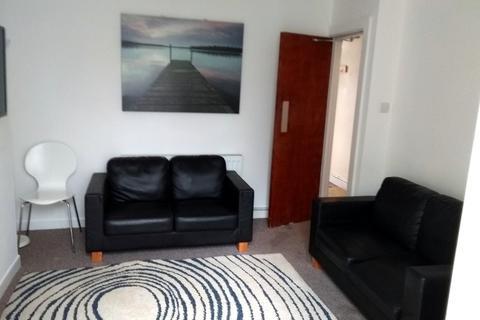4 bedroom house to rent - Albert Street