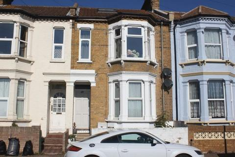 1 bedroom flat for sale - Stanley Road, Southend-On-Sea