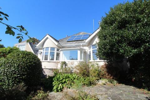 2 bedroom detached bungalow for sale - Marlborough Avenue, Falmouth