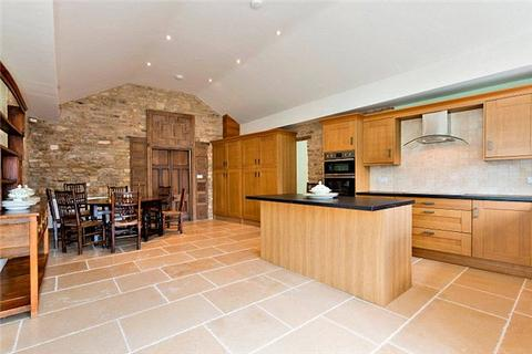 2 bedroom flat for sale - Huntington Courtyard, Sheep Street, Stow On The Wold, Gloucestershire