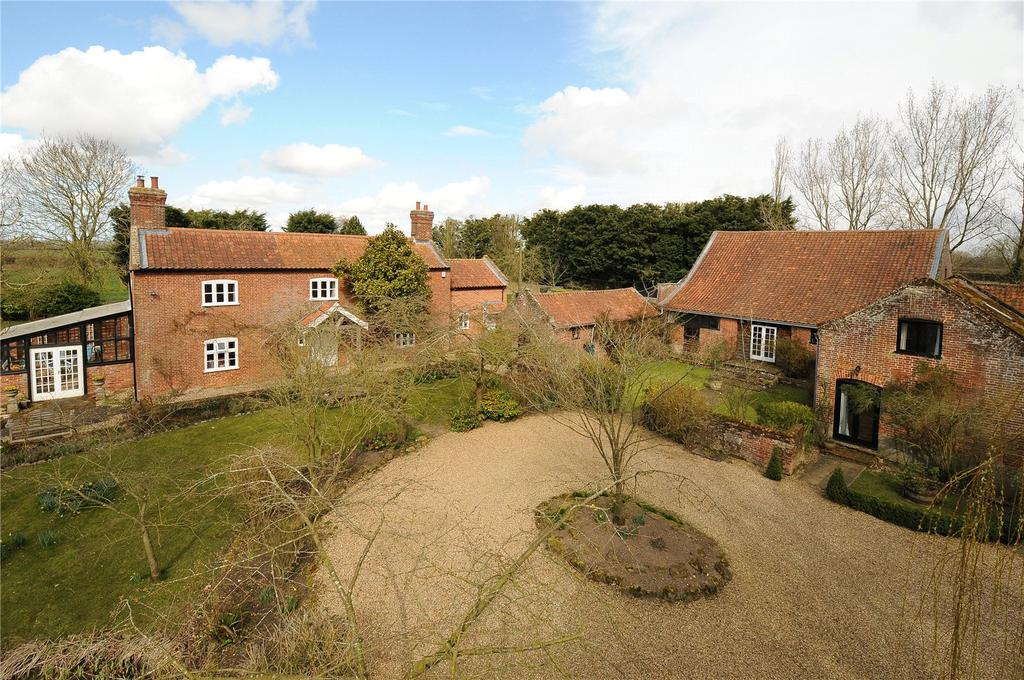 5 Bedrooms Detached House for sale in Green Lane, Wramplingham, Wymondham, Norfolk