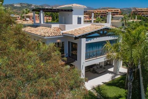 5 bedroom villa  - La Reserva de los Monteros, Marbella, Malaga