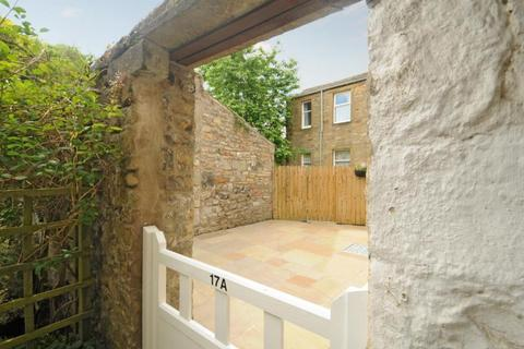 2 bedroom apartment to rent - High Street, Gargrave,