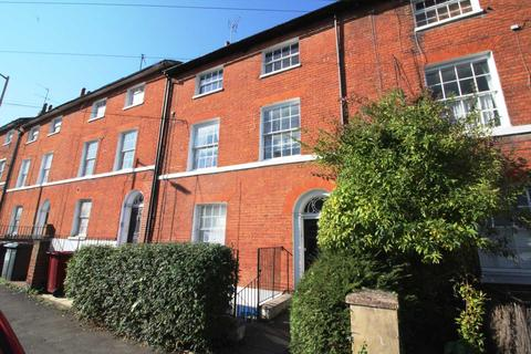 1 bedroom flat to rent - Russell Street, Central Reading, QUALITY ONE BEDROOM FLAT WITH OFF ROAD PARKING