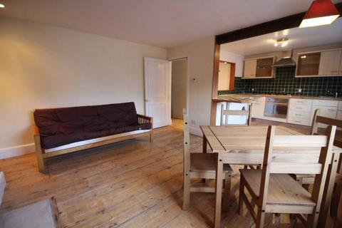1 bedroom flat to rent - Russell Street, Reading