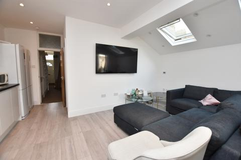 5 bedroom house share to rent - Harold Road, Leytonstone