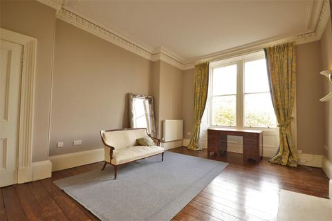 3 bedroom flat to rent - Gladstone Place, Edinburgh EH6