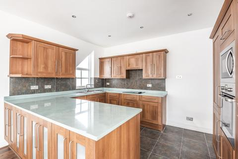 3 bedroom detached house to rent - Canons Drive, Edgware, HA8 7RB