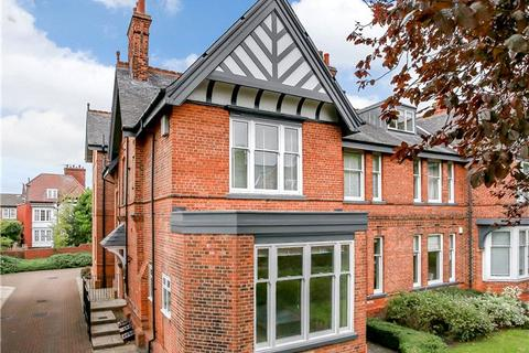 2 bedroom apartment for sale - Limetree Court, St Peter's Grove, York, YO30