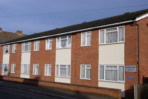 1 bedroom apartment to rent - Hythe Park Road, Egham, TW20