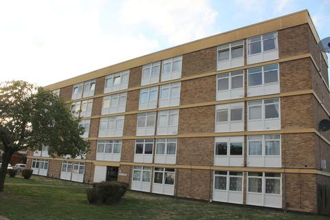 2 bedroom apartment - Edgell Road, Staines Upon Thames, TW18