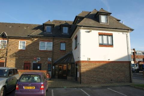 1 bedroom apartment to rent - Station Road, Egham, TW20