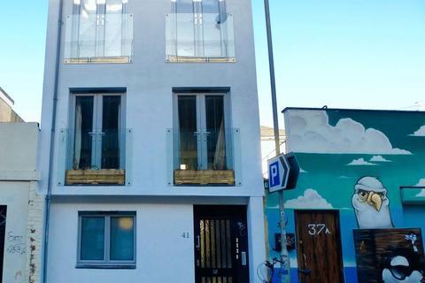 Studio to rent - London Road, Brighton