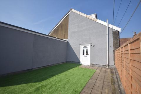3 bedroom maisonette to rent - High Street, Staple Hill