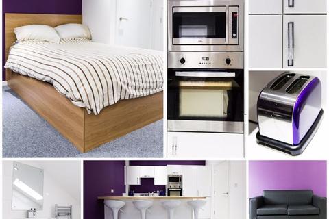 3 bedroom flat to rent - Lambert Street / Newland Avenue