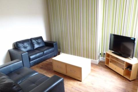 4 bedroom house to rent - Torrington Street, Hull