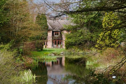 5 bedroom detached house for sale - Runnymede Road, Darras Hall