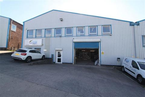 Industrial unit to rent - Novers Hill Trading Estate, Bedminster, Bristol