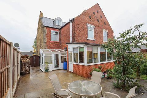 4 bedroom semi-detached house for sale - Queens Road, Beighton