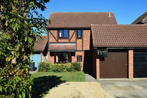 3 bedroom detached house for sale - Coniston Road, Peterborough