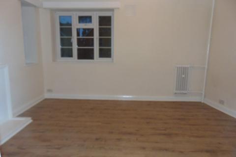Studio to rent - Archers Road, Southampton