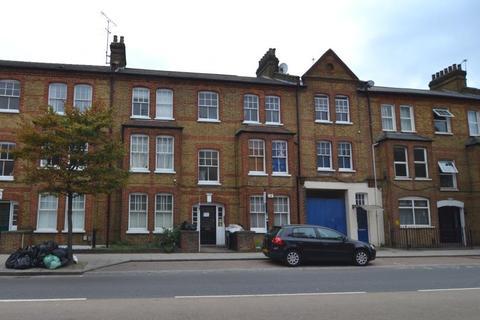 2 bedroom flat to rent - Queenstown Road, SW8