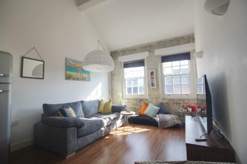 1 bedroom apartment to rent - Biscuit Factory, 13-15 Caroline Street