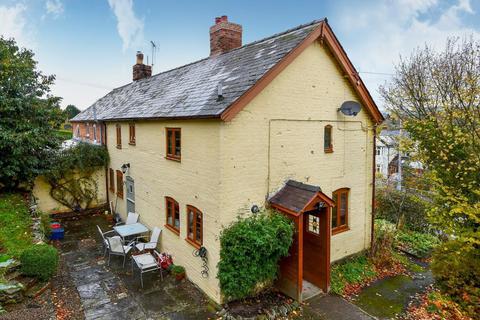 3 bedroom cottage for sale - Knighton Road, Presteigne, LD8