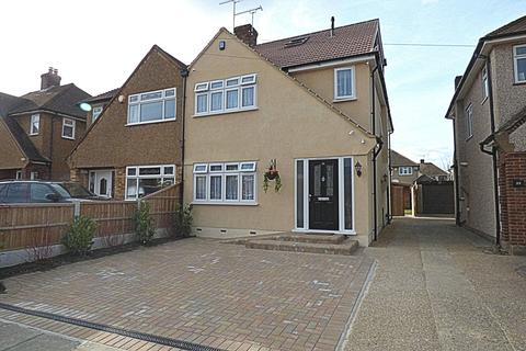5 bedroom semi-detached house to rent - Trent Avenue, Upminster RM14