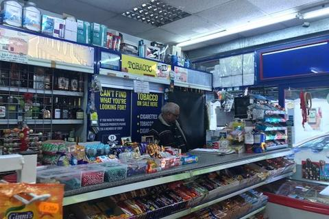 Shop to rent - Great Western Road, Maida Vale W9