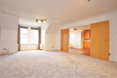 3 bedroom flat to rent - Powderhall Rigg, Edinburgh EH7