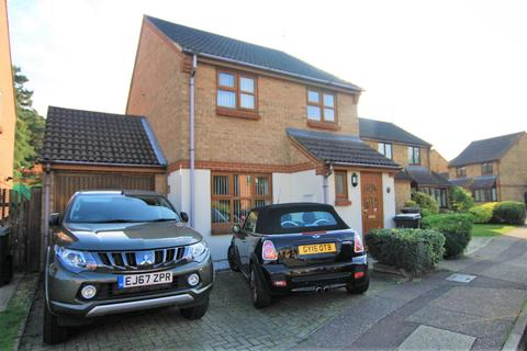3 bedroom detached house to rent - Redmayne Drive, Chelmsford