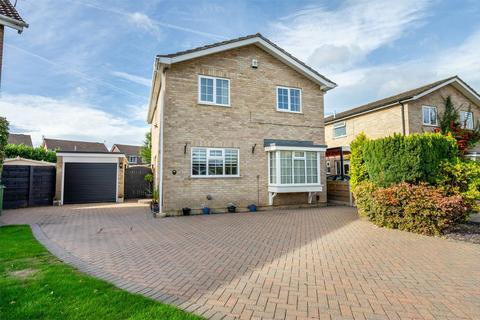 4 bedroom detached house for sale - Grassholme, Woodthorpe, York