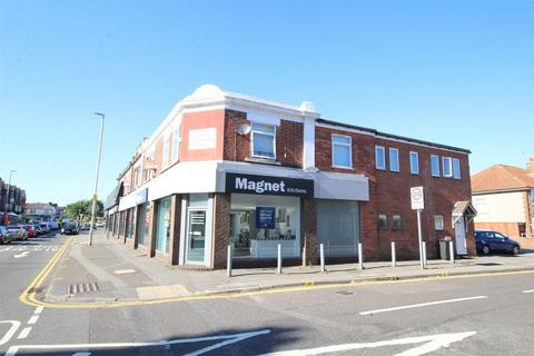 2 bedroom flat for sale - Poole Road, Branksome, POOLE, Dorset