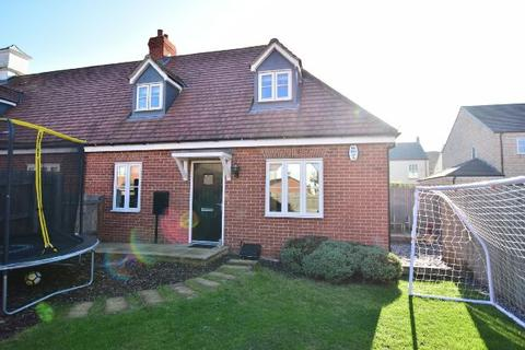 2 bedroom terraced house for sale - Thompson Road, New Waltham