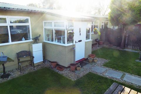 4 bedroom detached bungalow for sale - Corner of 8th Avenue, Humberston Fitties, Humberston, Grimsby