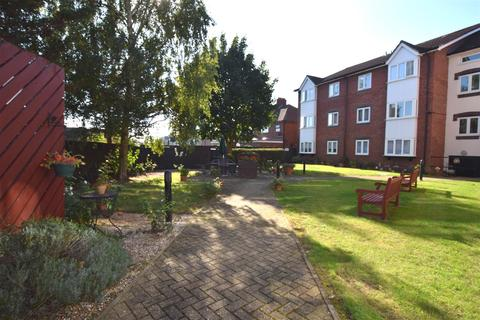 1 bedroom flat for sale - Cunningham Close, Chadwell Heath, Romford