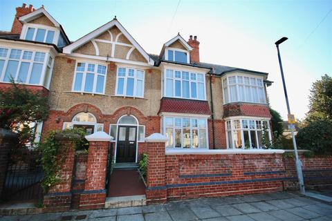 5 bedroom terraced house to rent - Nettlecombe Avenue, Southsea