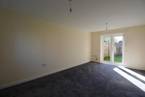3 bedroom semi-detached house to rent - Hainsworth Park, Hull