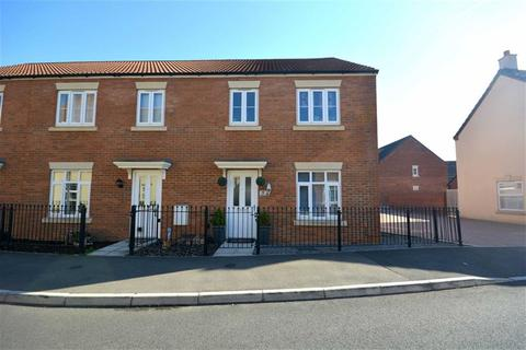3 bedroom end of terrace house for sale - Sealand Way Kingsway