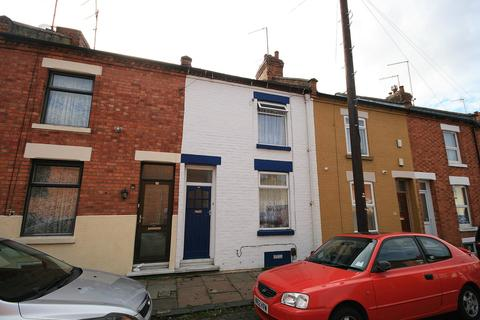 2 bedroom terraced house to rent - South Terrace , Abington , Northampton, NN1